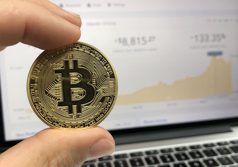 Coinbase: A Bitcoin Startup Is Spreading Out to Capture More of the Market